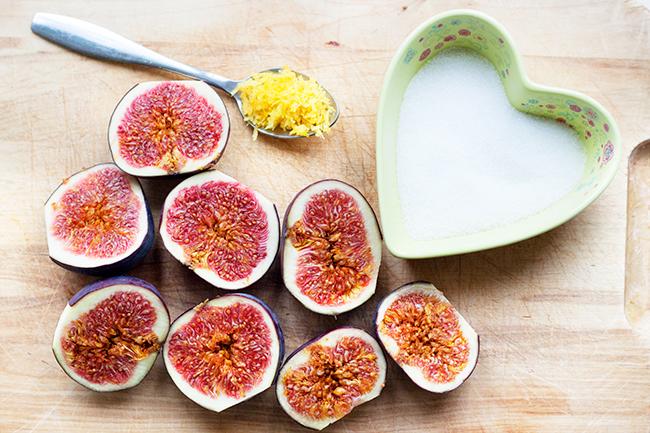 Healthy Fig & Oat Crumble Bar Recipe 1