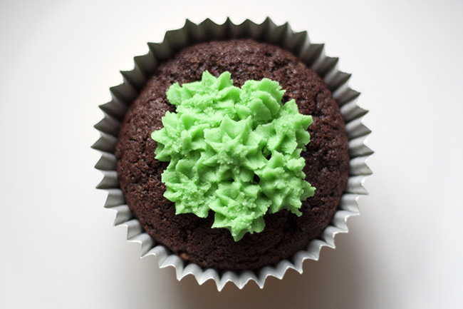 Chocolate Christmas Tree Cupcake Recipe 9
