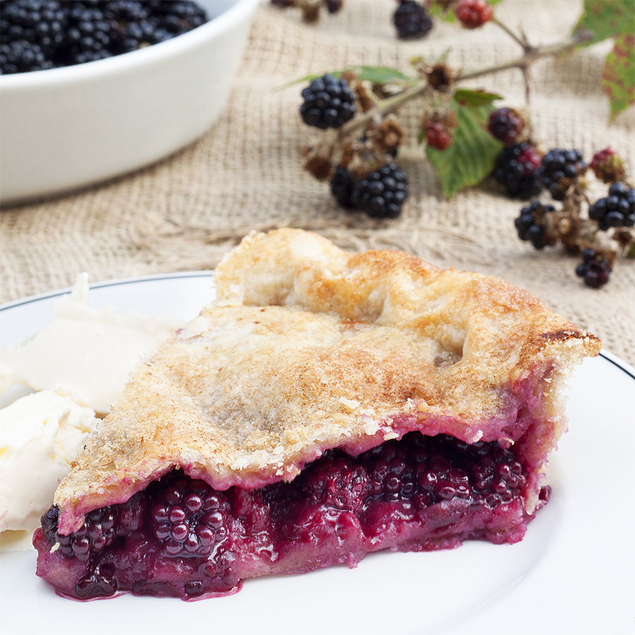 Traditional Homemade Blackberry and Apple Pie Recipe 1