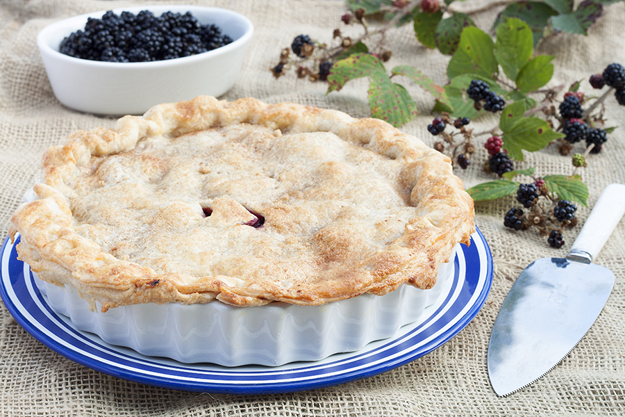 Traditional Homemade Blackberry and Apple Pie Recipe 2