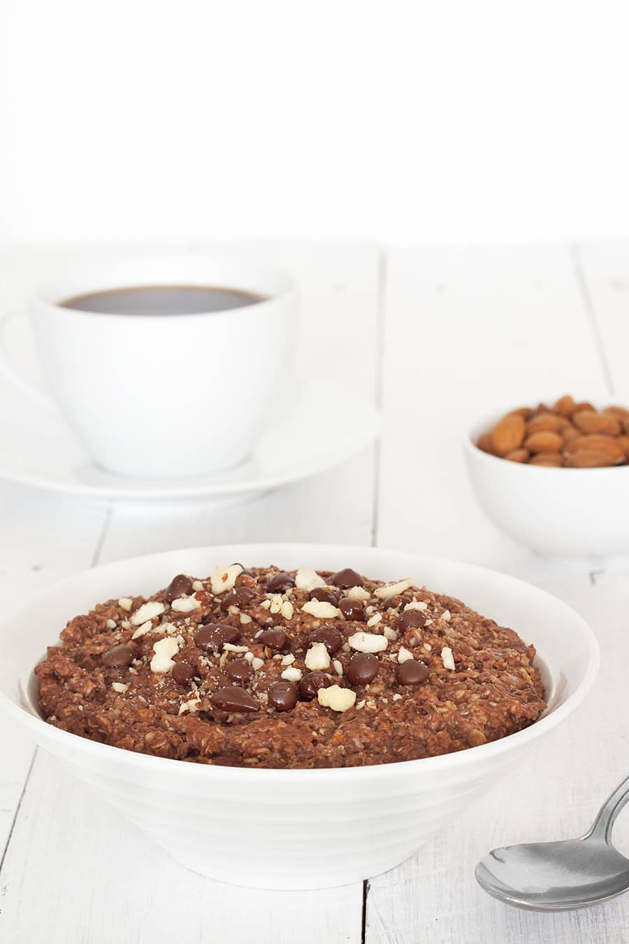 Healthy Chocolate Porridge - A Nutritious, sugar free but super tasty way to start the day | cookbakeeat.com #chocolate #porridge #breakfast